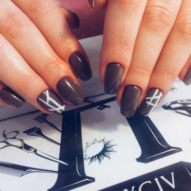Тенденции маникюра 2017 — Коричневые ногти с узором