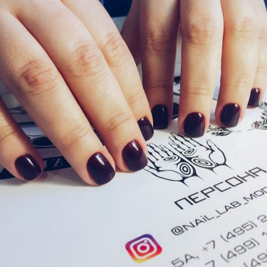 Тенденции маникюра 2017 — Бордовые ногти