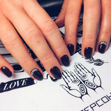 Тенденции маникюра 2017 — Черные ногти