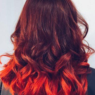 На такие волосы, как на огонь можно смотреть бесконечно — мастер Ольга (Персона на ул.Мира)