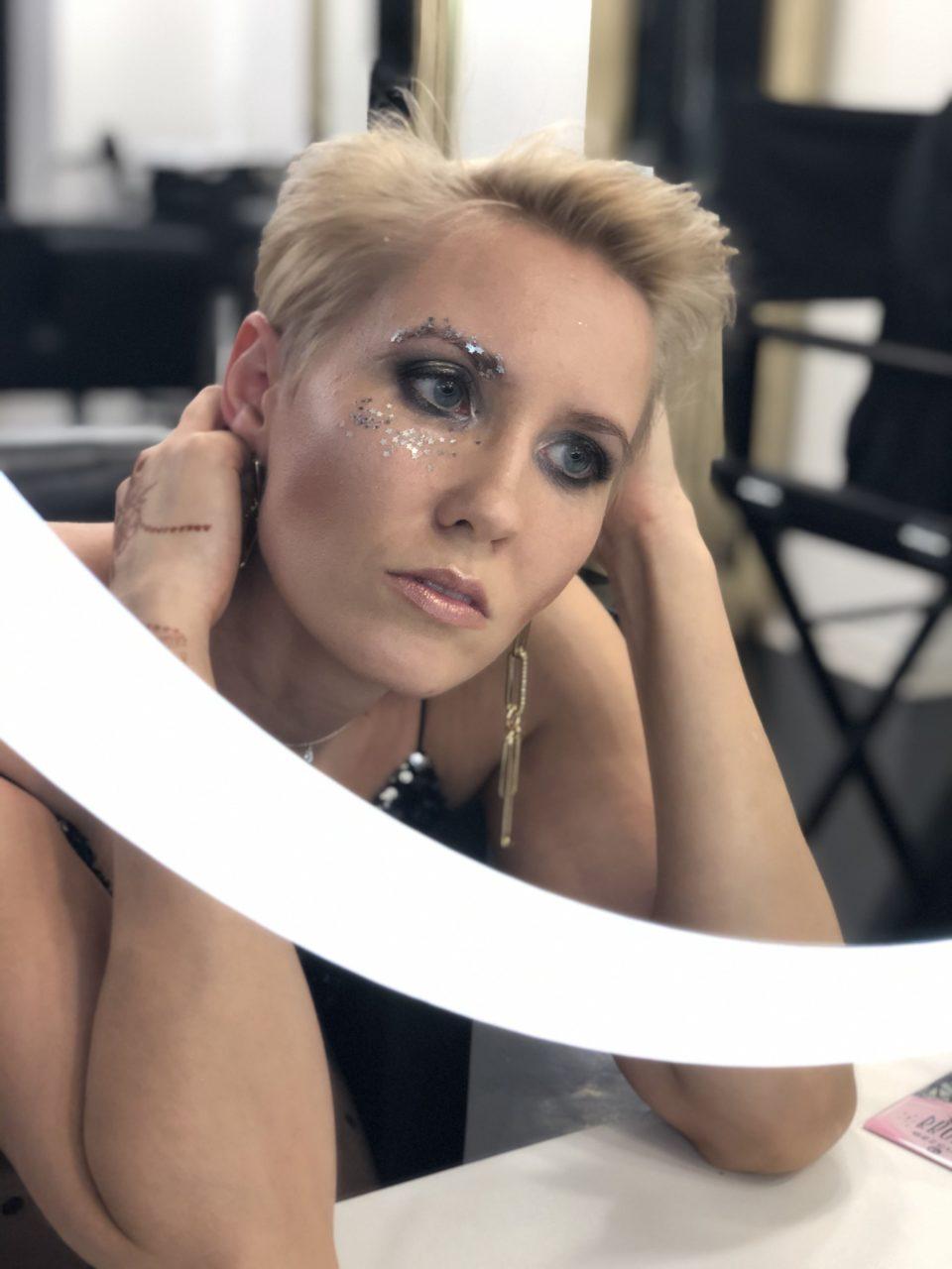 Новогодний мейкап и стрижка 2020 в салоне красоты Персона в Мытищах
