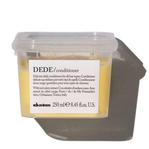 Деликатный кондиционер DEDE бережно ухаживает за волосами и подходит для ежедневного применения.